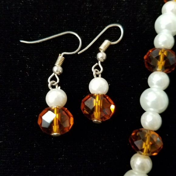 FAUX PEARL & CRYSTAL NECKLACE & EARRINGS